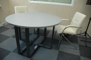 стол-трансформер для студии радиостанции
