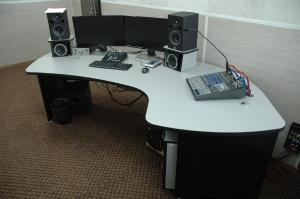 Стол звукорежиссёра