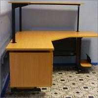 Компьютерный стол сотрудника отдела автоматизации банка